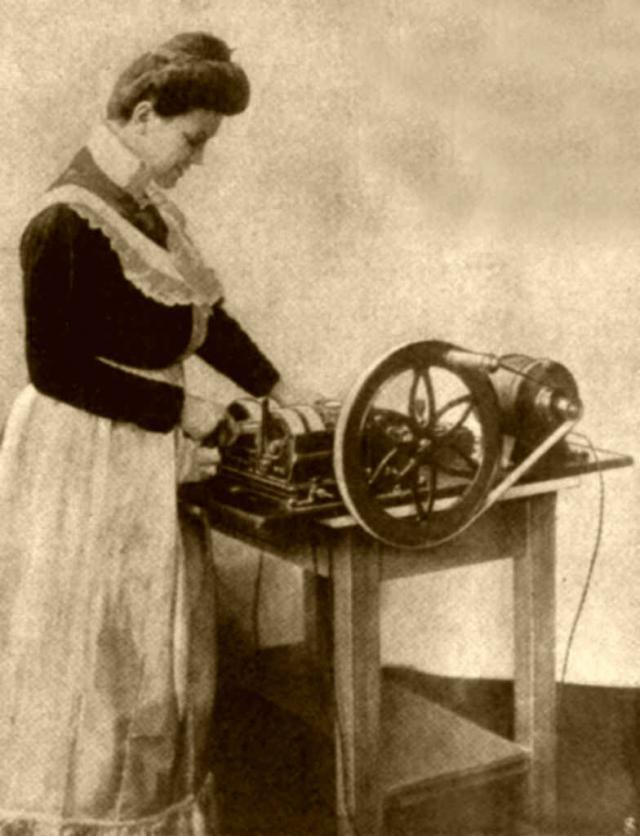 Maschine zum Messerputzen