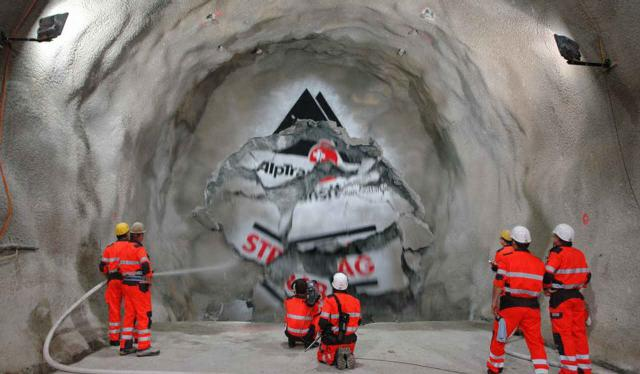 Durchschlag im Gotthard-Basistunnel