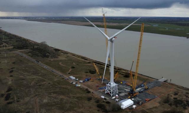 Offshore-Windkraftanlage bei Saint-Nazaire