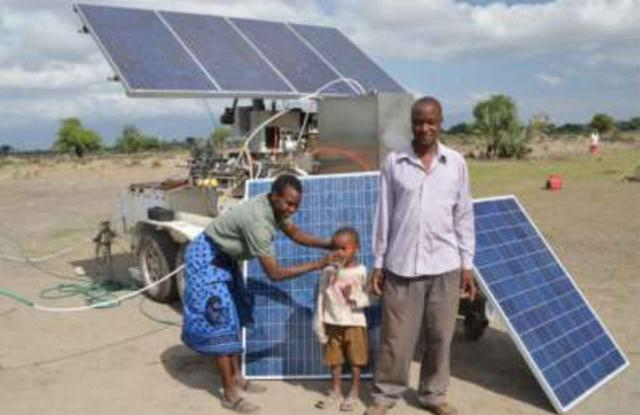 Bewohner des Dorfes Mdori