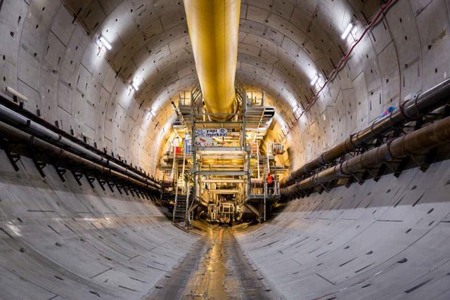 Röhre für den Eurasia Tunnel