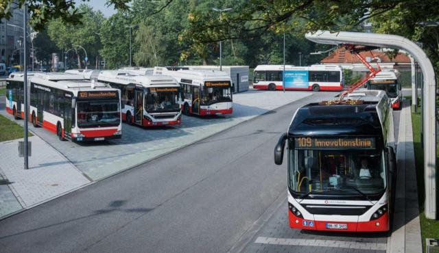 Elektrobus-Terminal an der Adenauerallee