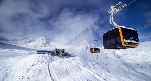 Neue Eisgratbahn am Stubaier Gletscher
