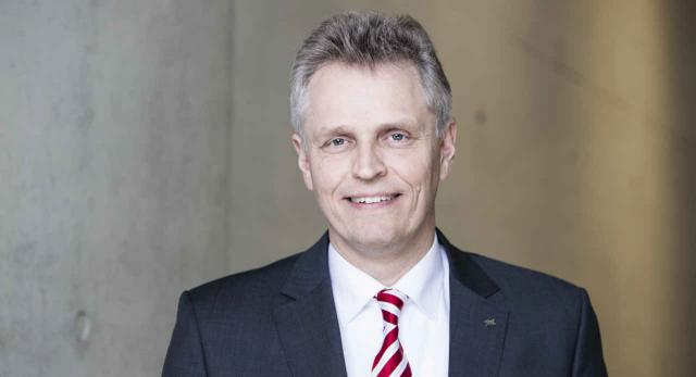 Prof. Karsten Lemmer