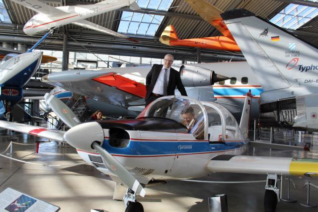 Übergabe der LFU 205 in der Flugwerft Schleißheim
