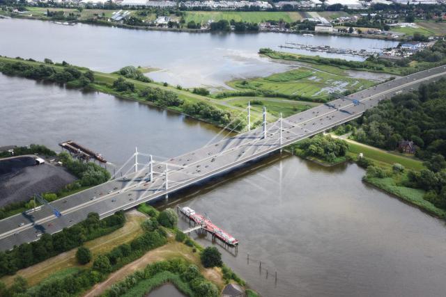 Brücke über die Nordelbe