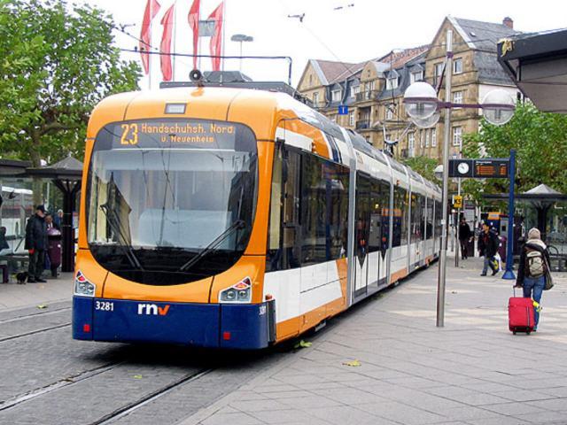 Neue Straßenbahnen vom Typ Variobahn für Heidelberg
