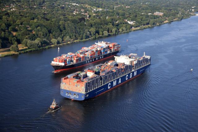 Fahrrinnenanpassung Elbe: Begegnung von großen Schiffen ab sofort leichter