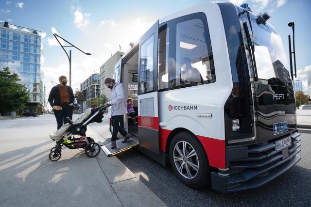 Automatisiert fahrender Kleinbus HEAT