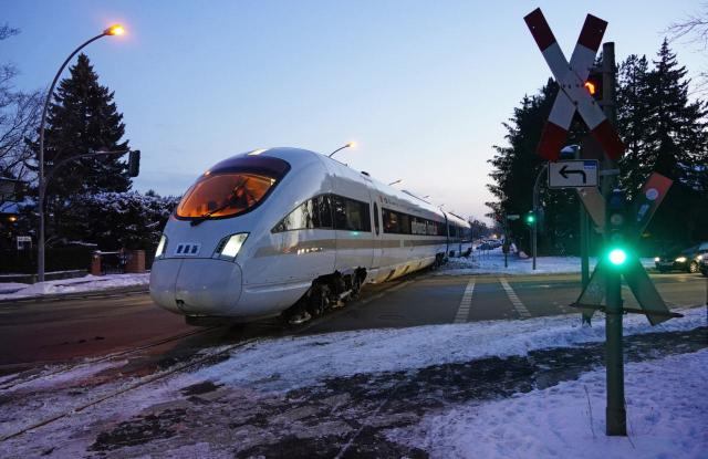 DB-Versuchszug auf der Berliner Goerzbahn